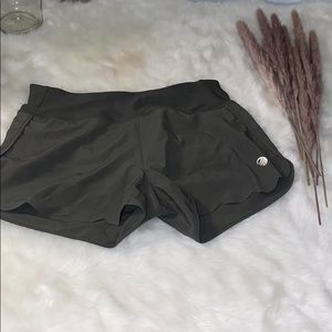 MPG green army shorts with cute details